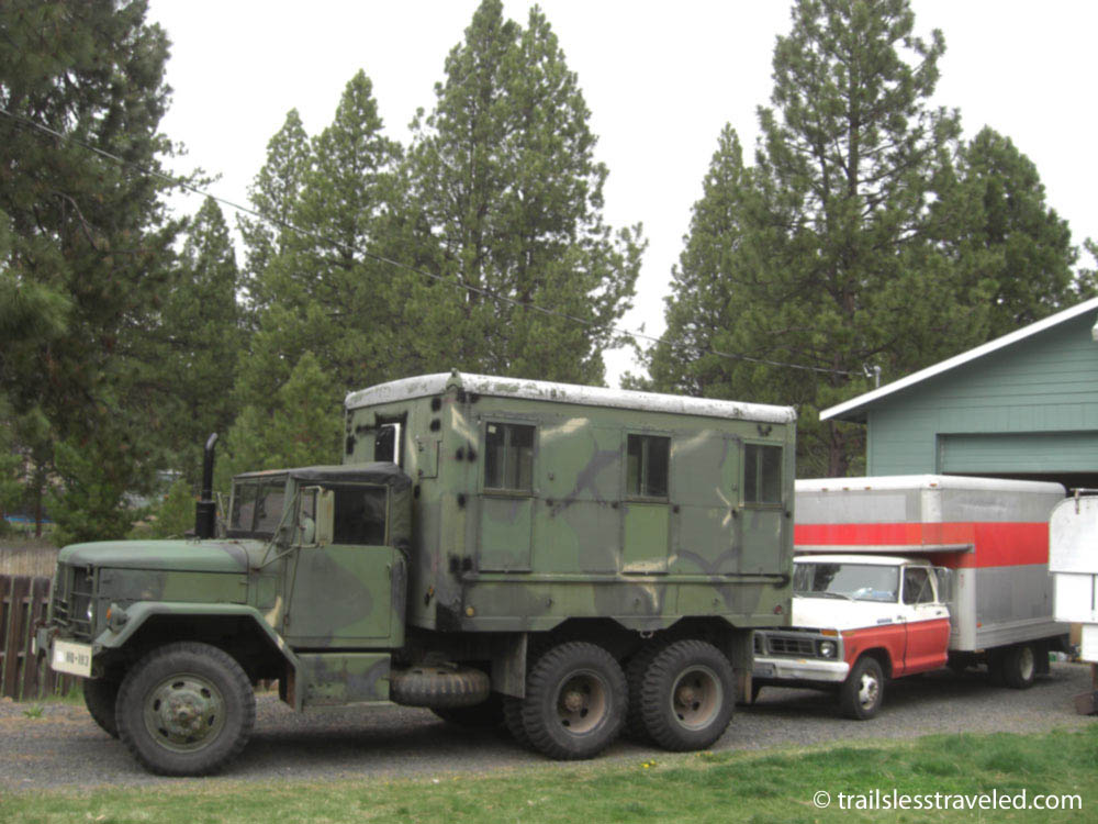 custom built enclosed trailer built on military trailer chassis pirate4x4 com 4x4 and off. Black Bedroom Furniture Sets. Home Design Ideas