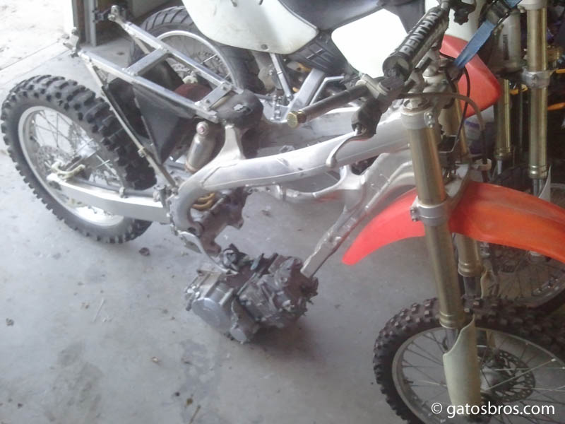 building a custom trailbike: Honda CRF chassis + XR250R
